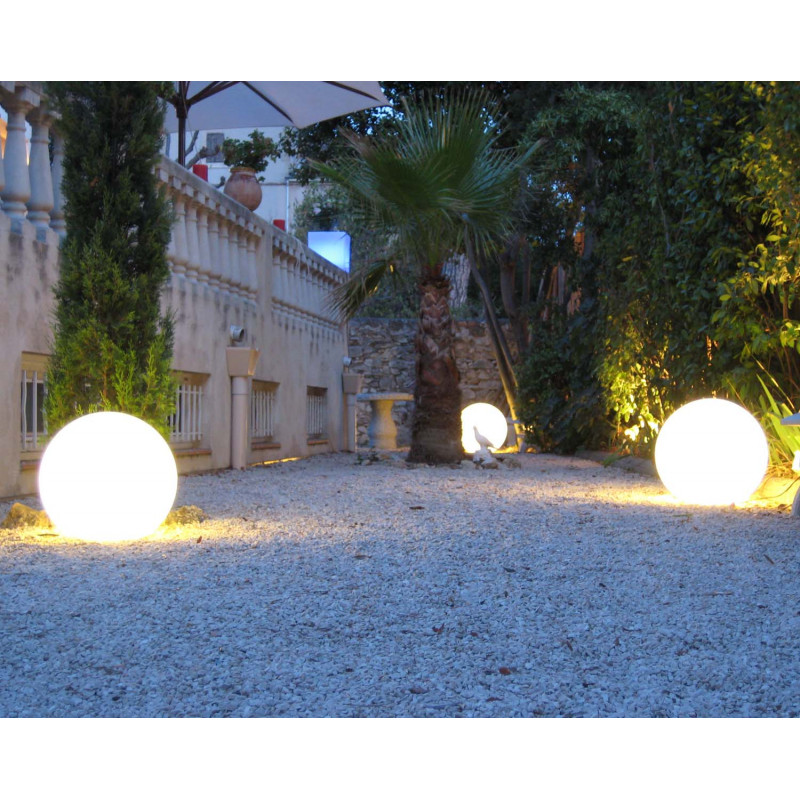 Boule lumineuse blanche ext rieure for Eclairage exterieur boule lumineuse