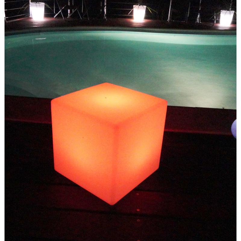 Cube lumineux multicolore sans fil for Cube lumineux exterieur sans fil