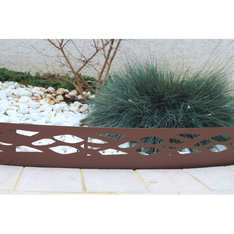 Bordure de jardin en m tal fer vieilli for Bordure de jardin en metal