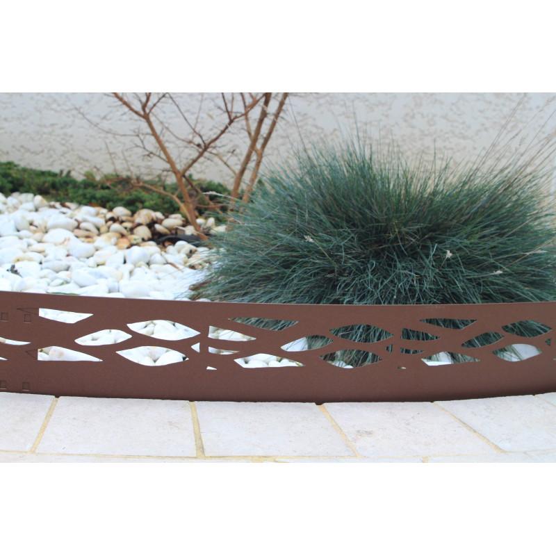bordure de jardin en acier fer vieilli ajour e chez jardin. Black Bedroom Furniture Sets. Home Design Ideas