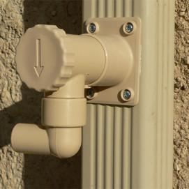 Collecteur d'eau de pluie beige pour descente rectangulaire