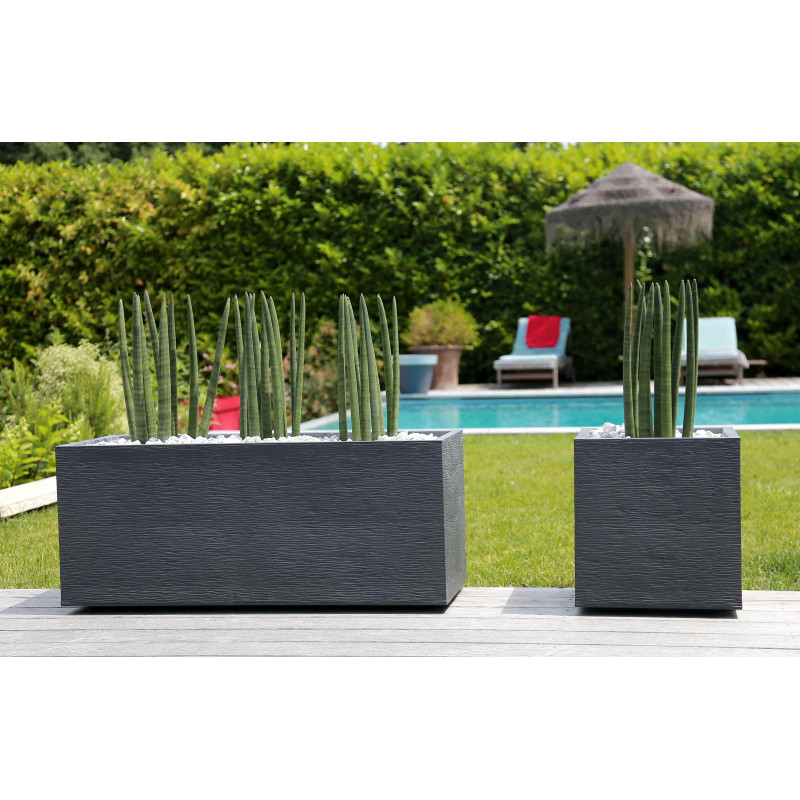 le pot de fleur carr en plastique bas 31l jardin et saisons. Black Bedroom Furniture Sets. Home Design Ideas
