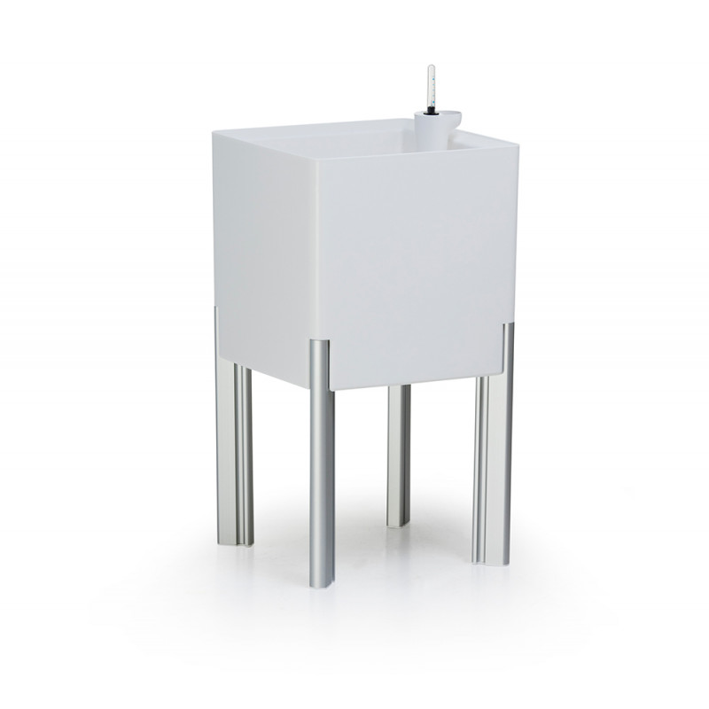 pot de fleur design carr blanc sur pied avec r serve d 39 eau incorpor e. Black Bedroom Furniture Sets. Home Design Ideas
