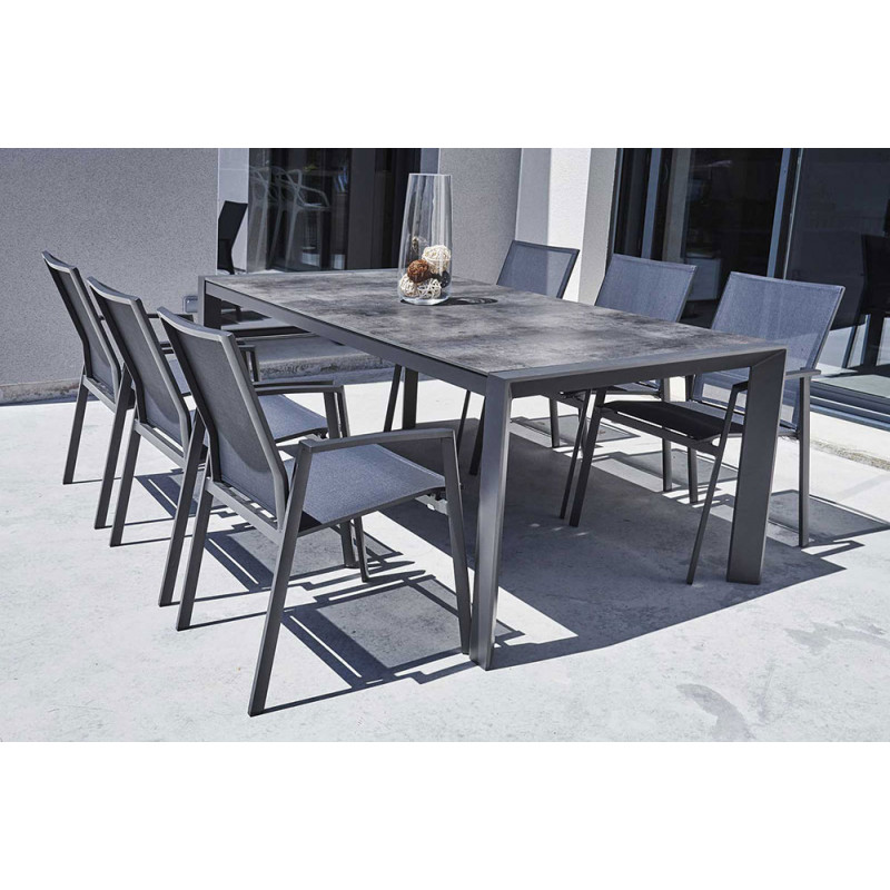 ensemble table et chaise de jardin en aluminium gris. Black Bedroom Furniture Sets. Home Design Ideas