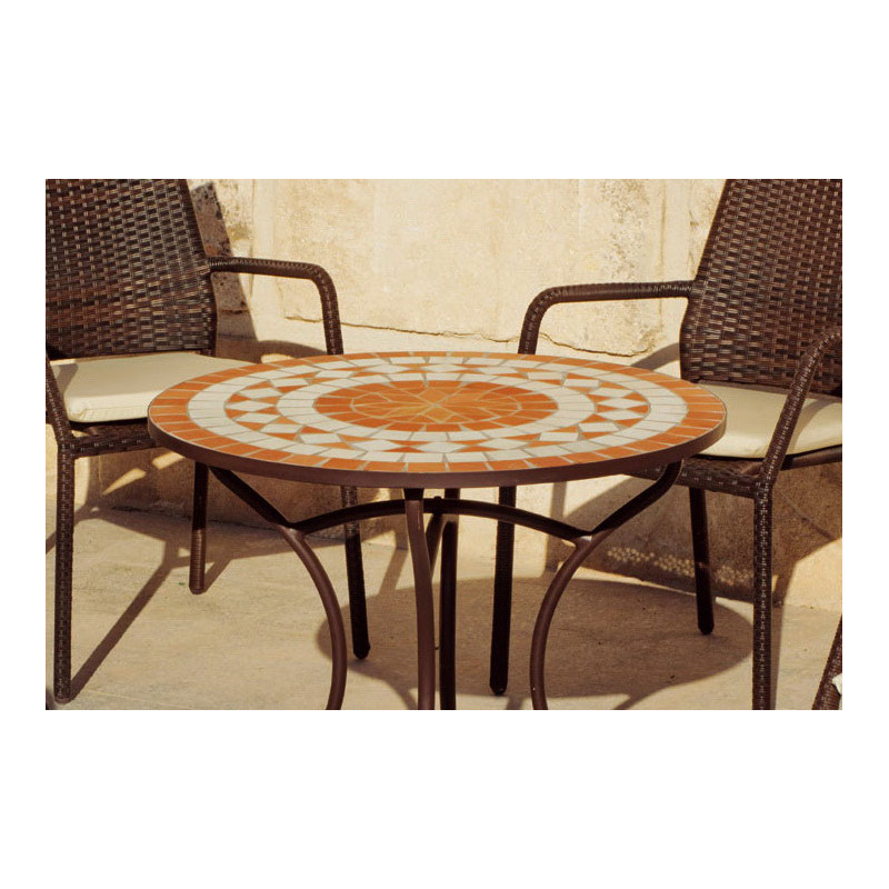 Belle table de jardin mosaique ronde et 4 fauteuils en r sine tress e for Table ronde en resine tressee