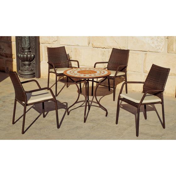 Belle table de jardin mosaique ronde et 4 fauteuils en résine tressée