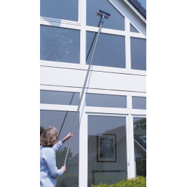 Lave-vitres avec manche téléscopique