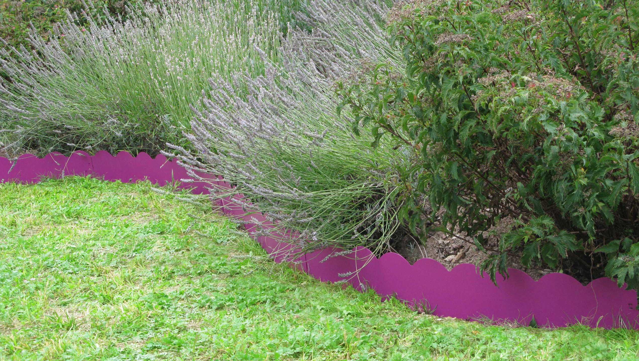 Bordure de jardin en acier fushia